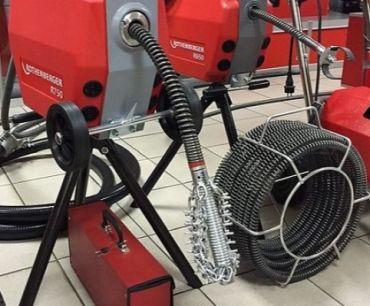 mechaniczne udrażnianie rur spiralą elektryczną żukowo kartuzy banino chwaszczyno kolbudy